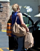 Kristen Bell - leaving Gelson's in Los Angeles 08/14/12